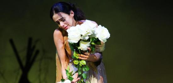 """Alessandra Ferri in John Neumeiers Ballett """"Duse"""", Copyright: Holger Badekow"""
