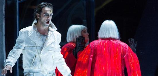 Calaf (Leonardo Caimi) & Turandot (Jennifer Wilson), Copyright: Tom Schulze