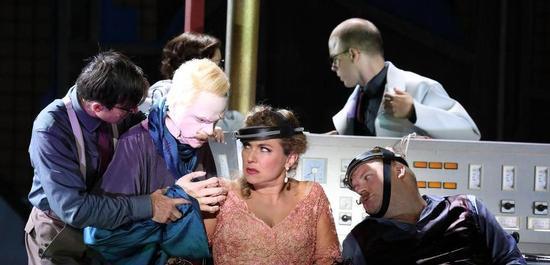 Annette Dasch (Rezia), Brenden Gunnell (Hüon von Borderaux), Copyright: Wilfried Hösl