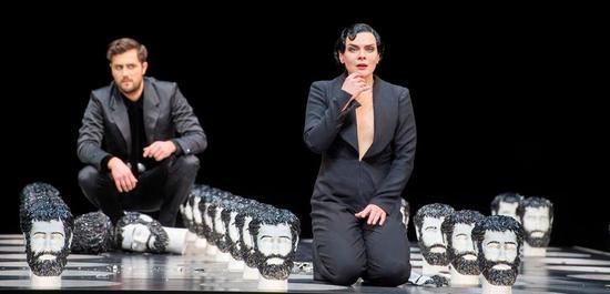 Ausrine Stundyte (Salome), Christian Natter (Oscar Wilde), Copyright: Monika Rittershaus