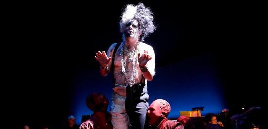 Lucas Singer (Der Lautsprecher/ Der Tod), Martin Koch (Harlekin), Copyright: Paul Leclaire