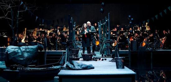 Claudia Mahnke (Judith), Falk Struckmann (Herzog Blaubart), Copyright: Matthias Baus