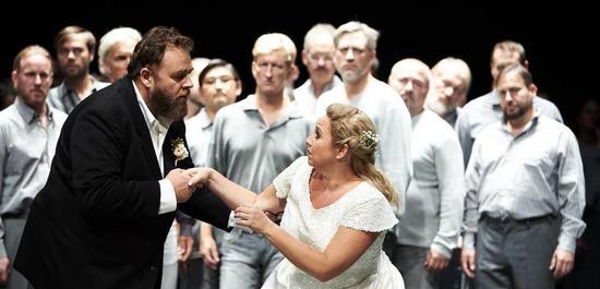 Michael König (Lohengrin) und Simone Schneider (Elsa von Brabant), Copyright: Matthias Baus