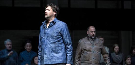 Marco Jentzsch (Peter Grimes), Darren Jeffery (Hobson), Copyright: Bernd Uhlig
