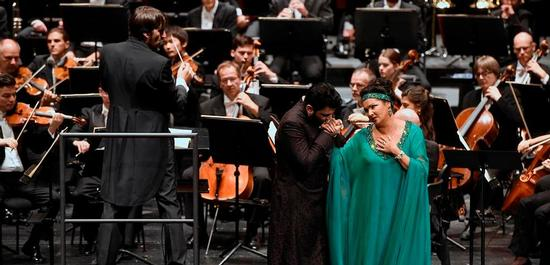 Anna Netrebko (Adriana Lecouvreur), Yusif Eyvazov (Maurizio), Copyright: Bettina Stöß