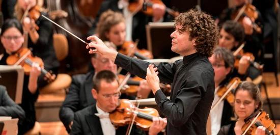 Chefdirigent Robin Ticciati, Deutsches Symphonie-Orchester Berlin, Copyright: Kai Bienert