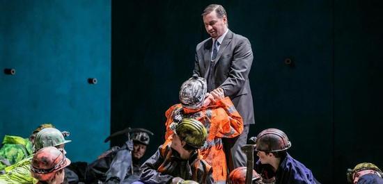 Luke Stoker (Abimélech), Chor der Deutschen Oper am Rhein, Copyright: Jochen Quast