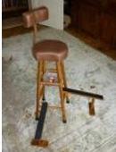 Details zu Kontrabass-Stuhl
