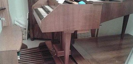 Details zu Cembalo-Pedal und Orgelbank