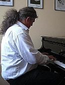 Details zu Klavierspieler sucht Zuhörer