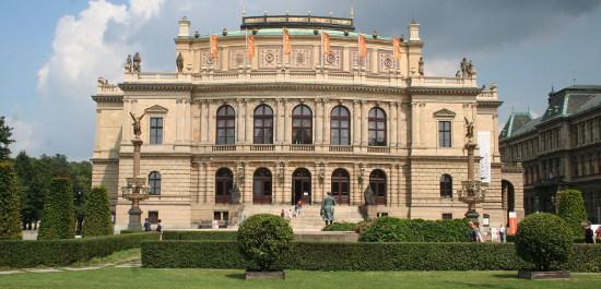 Außenansicht Rudolfinum Prag, Copyright: Manuela Bachmann