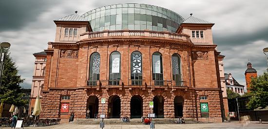 Außenansicht des Staatstheaters Mainz, © Andreas Etter