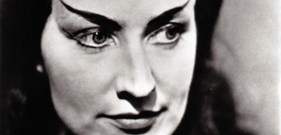 Ursula Boese als Waltraute in Wagners Götterdämmerung, Hamburg, © Raywood