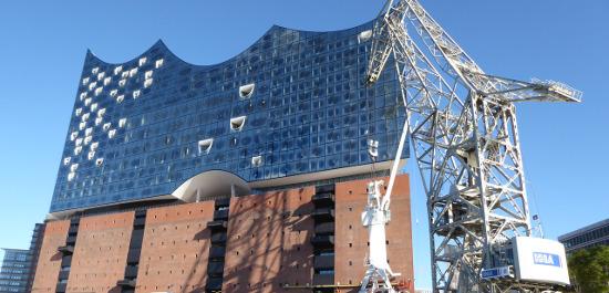 Historischer Ladekran und Elbphilharmonie Hamburg, © Joachim Kaiser