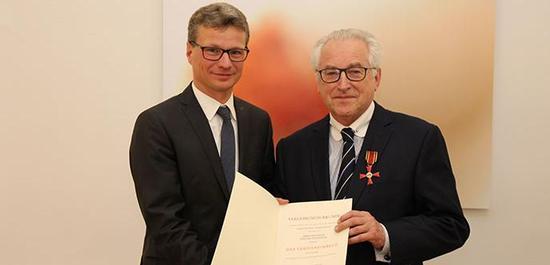 Staatssekretär Bernd Sibler und Prof. Gerhard Weinberger, © StMBW