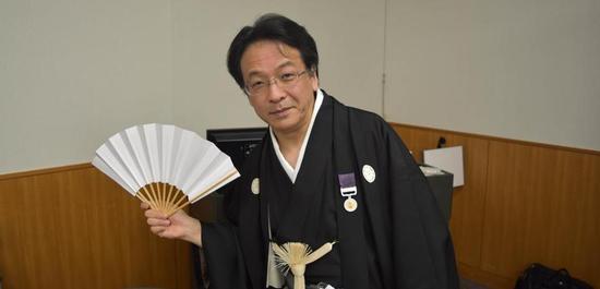 Ryusuke Numajrii mit der Medaille am Violetten Band, © privat