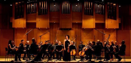 Sarah Christian mit Orchester, © Daniel Delang