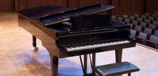 Steinway & Sons Konzertflügel, © Reinhold Möller