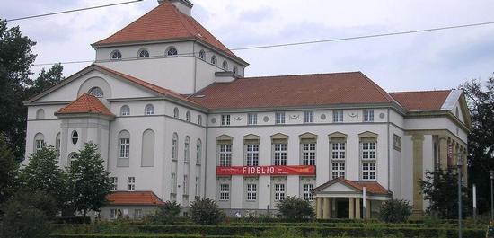 Theater Nordhausen (Außenansicht), © Michael Sander