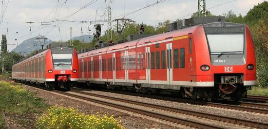 Regionalexpress der Deutschen Bahn, Baureihe 425, © Thomas Wolf