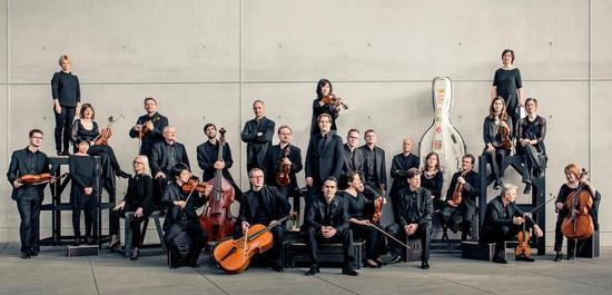 Münchener Kammerorchester mit Clemens Schuldt, © Sammy Hart