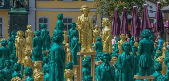 Kunstinstallation auf dem Bonner Münsterplatz, © City-Marketing Bonn/Bürger für Beethoven