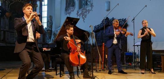 Konzert Spark und Valer Sabadus, © Hartmut Hientzsch