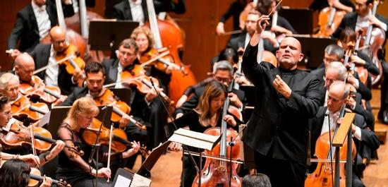 Jaap van Zweden mit dem New York Philharmonic Orchestra, © Chris Lee