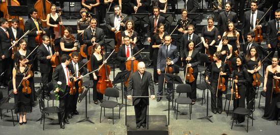 West-Eastern Divan Orchestra unter der Leitung von Daniel Barenboim (2013), © WolfD59