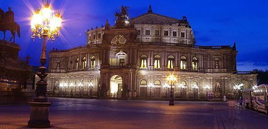 Semperoper Dresden, © Kurcob
