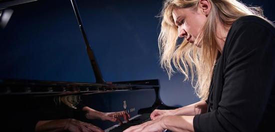 Pianistin Ragna Schirmer, © Maike Helbig