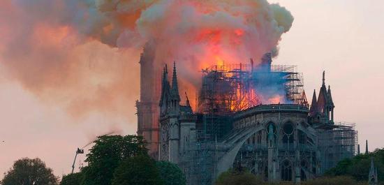 Brand der Kathedrale von Notre-Dame (2019), © GodefroyParis
