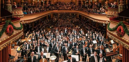 Orchester mit Publikum, © Niels Ackermann